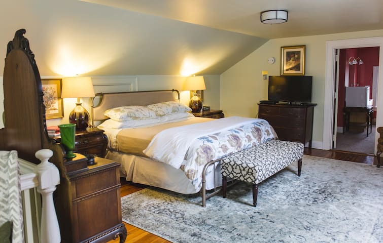 Winesap Suite - Applewood Manor