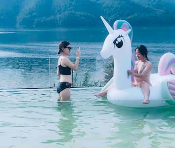 千岛湖边际民宿湖景泳池双床房(无边泳池一线湖景)