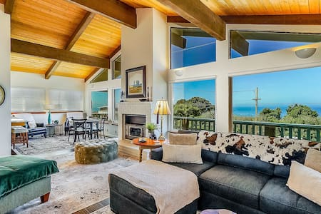Ocean view retreat with private patio - minutes to the beach