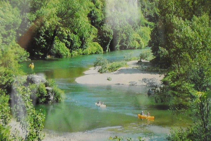 Gorge du Tarn, canoé, randonnée, nature - La Malène - Haus
