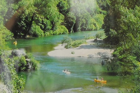 Gorge du Tarn, canoé, randonnée, nature - La Malène
