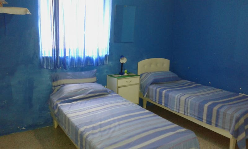 Cozy, fully-furnished room in the heart of Mosta