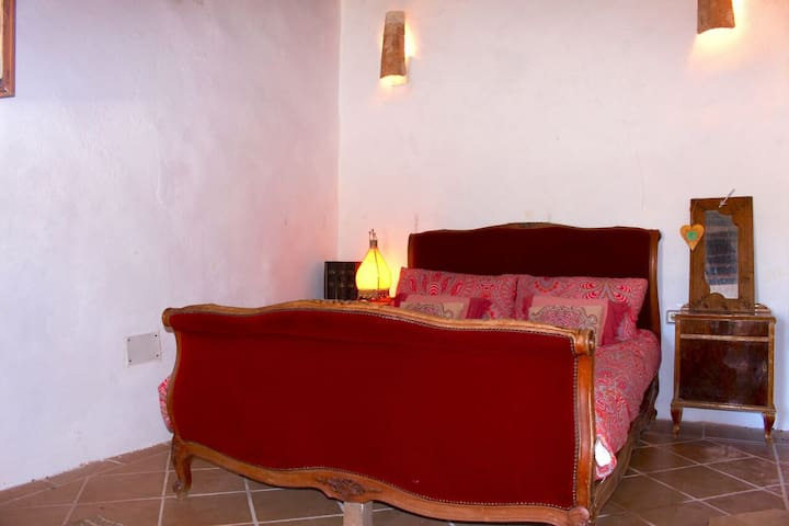 Sweet room in a rural finca, private pool
