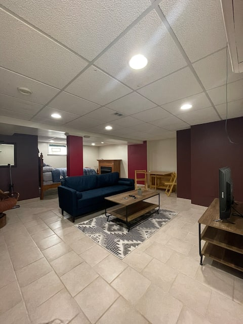 Entire Basement - In Law Suite Nw Side Near Ohare!