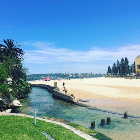 Right on Manly Beach! Newly Listed! - Manly - Appartement