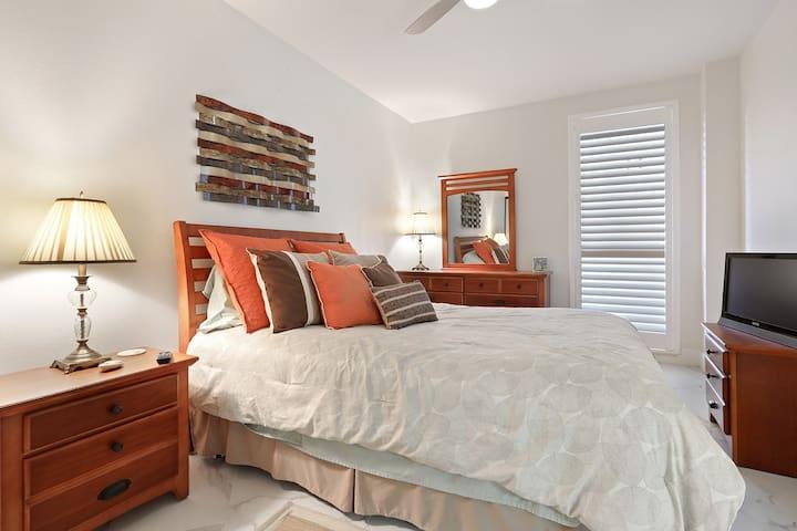 Bedroom #3 with a queen bed