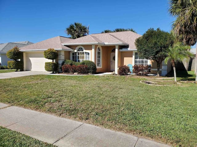 NEW LISTING ! Steps from the beach !
