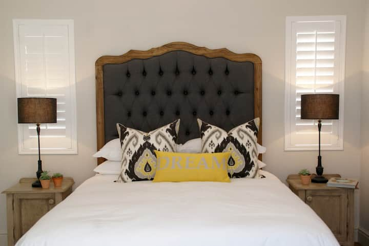 BOUTIQUE ROOM 2 spoil guests.  Luxurious & cosy.