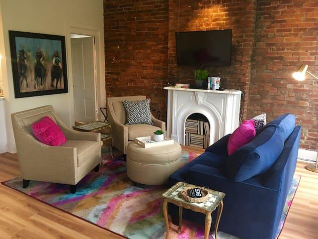 The Oak Street Studio -  UofL, Expo, Downtown - Louisville - Huoneisto