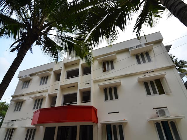 OYO - Vibrant 1BR in Trivandrum - On Discount!
