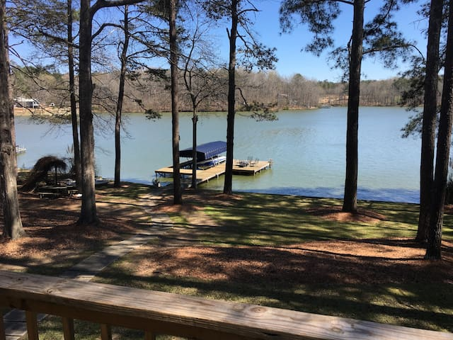 Renovated Lake Oconee House - Buckhead - Dom