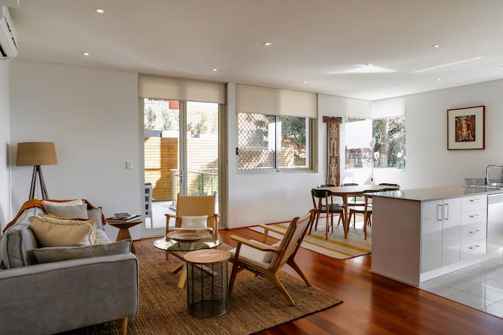 Spacious & Splendid Family Apartment in Bondi!