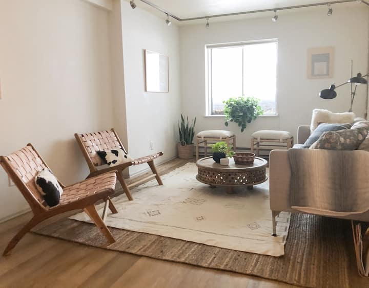 Sweet basement apartment in victorian Breckenridge