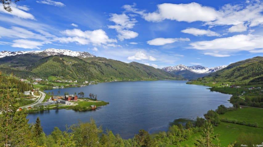 Norgesferie m basseng og fantastiske turmuligheter