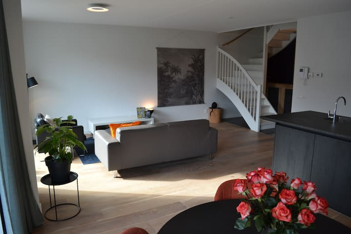 Luxurious 105m2 Apartment near Jordaan and Centre