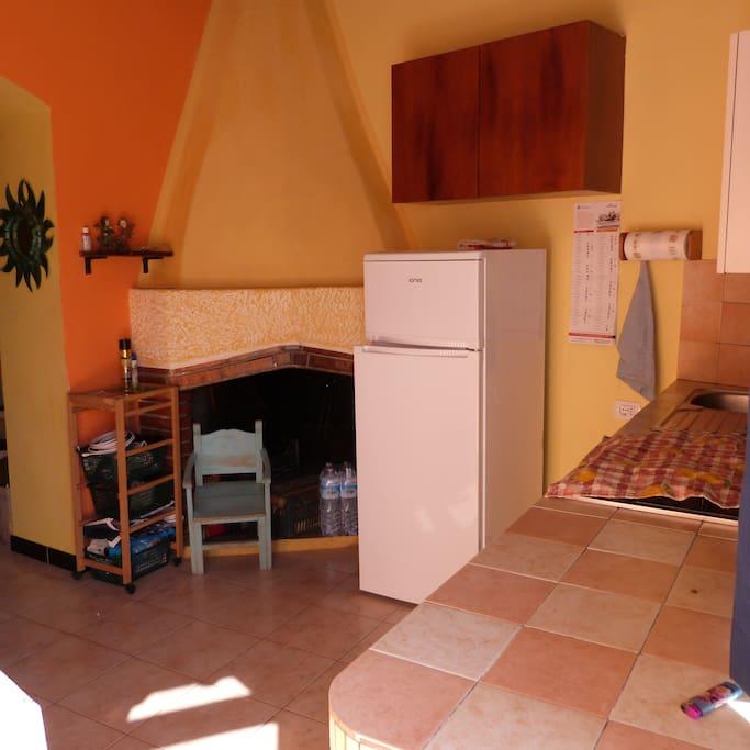 Casa indipendente in centro paese con cortile apartments for Casa con cortile centrale