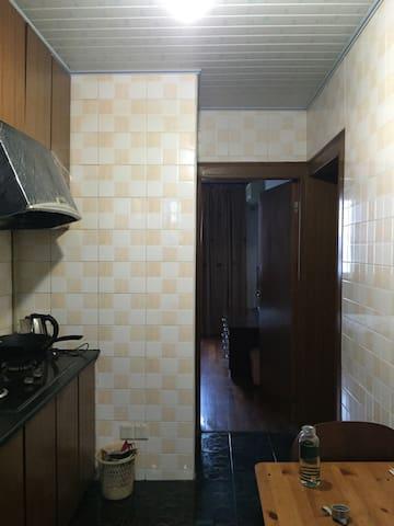 两个门两间房