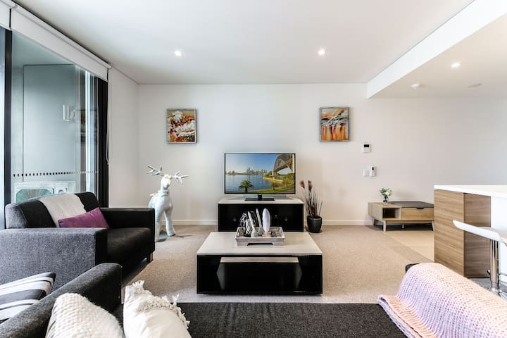 2 Bed apt@Eclectic Urban Oasis Panoramic City View