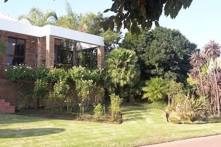 Luxurious home stay on Golf Estate - Worcester - Penzion (B&B)