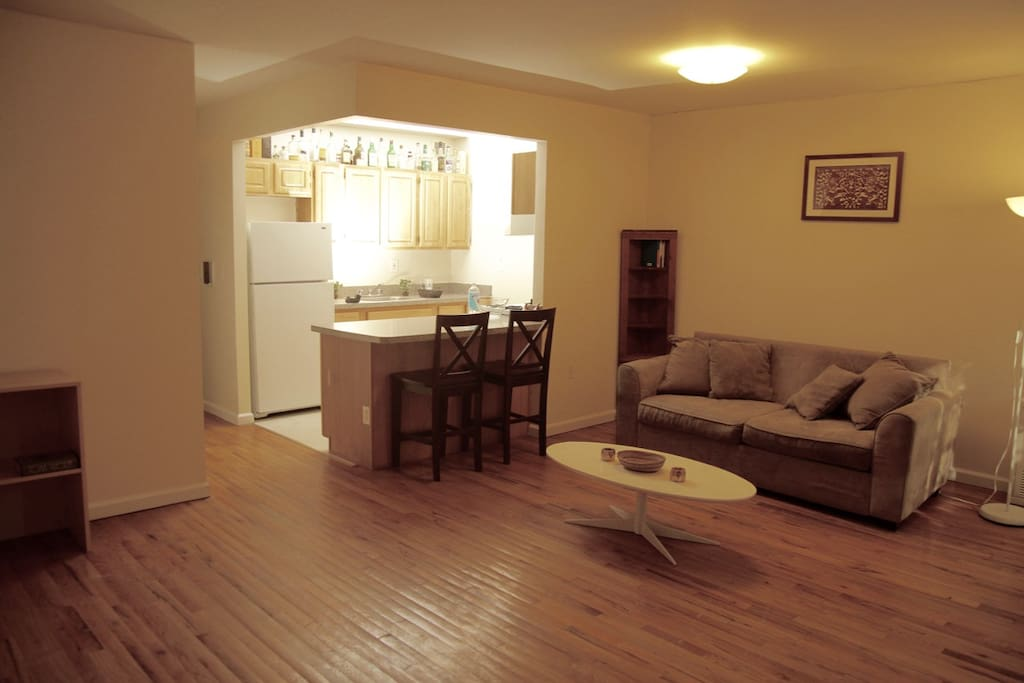 Master Bedroom In Large Townhouse Public Pool Townhouses In Affitto A Brooklyn New York