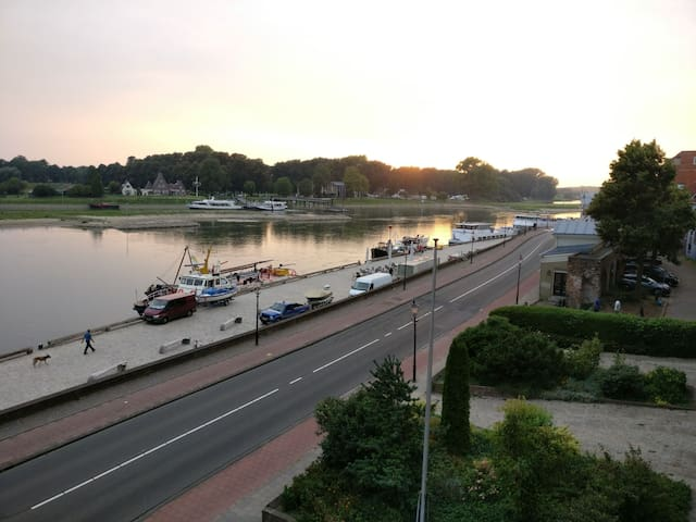 Luxury appartment with riverview - Deventer - Apartemen