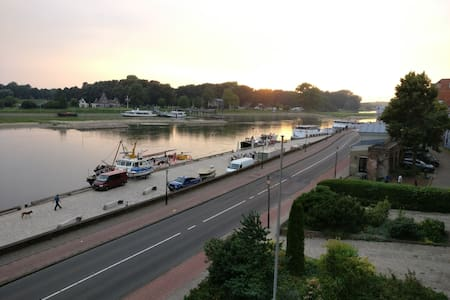 Luxury appartment with riverview - Deventer - Huoneisto