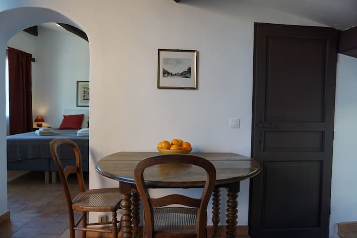"""Casa Mauresque, apt """"Les Maures"""" in old Cotignac"""