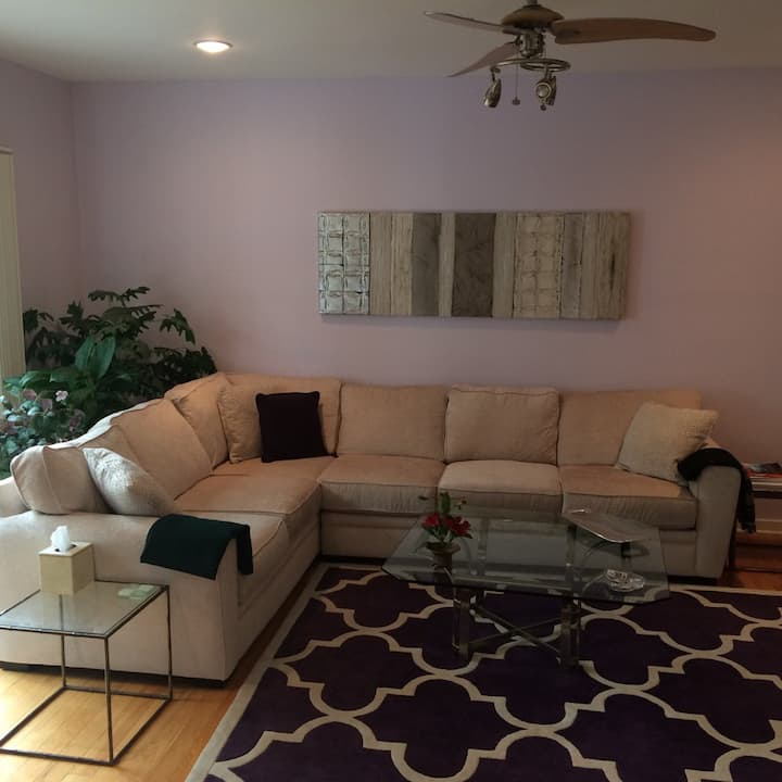 2 Bedrooms in Spacious, Well-decorated Home