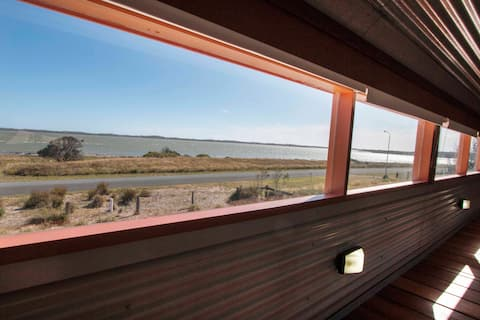 Coorong Aurora - breathtaking waterfront escape