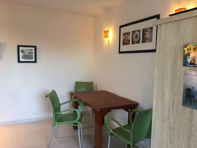 mignon  2 pieces avec vue dégagée - Fréjus - Apartament