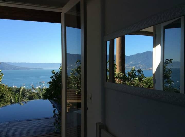 Suíte vista para o mar de ilhabela
