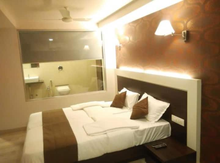 Executive Room EP · Executive Room in Vasai East