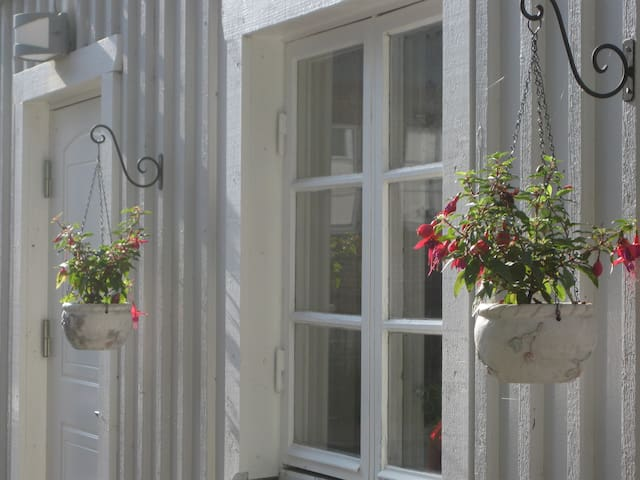 Perdix House