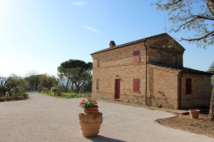 """Schönes Ferienhaus """"il pino"""" - Sant'Elpidio a mare - Talo"""