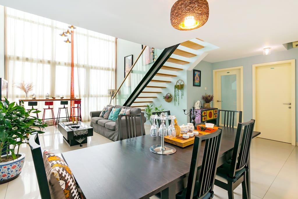 客厅餐厅,六米空间  LIVING ROOM AND DINNING ROOM WITH 6M HEIGHT