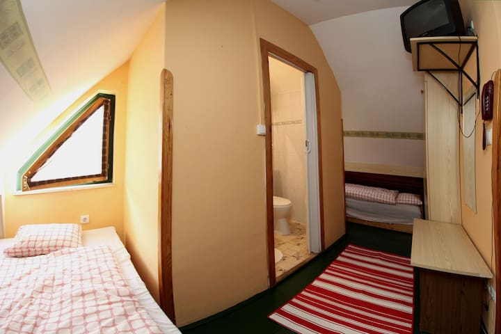 No: 12 room (2 beds - Eger - Casa