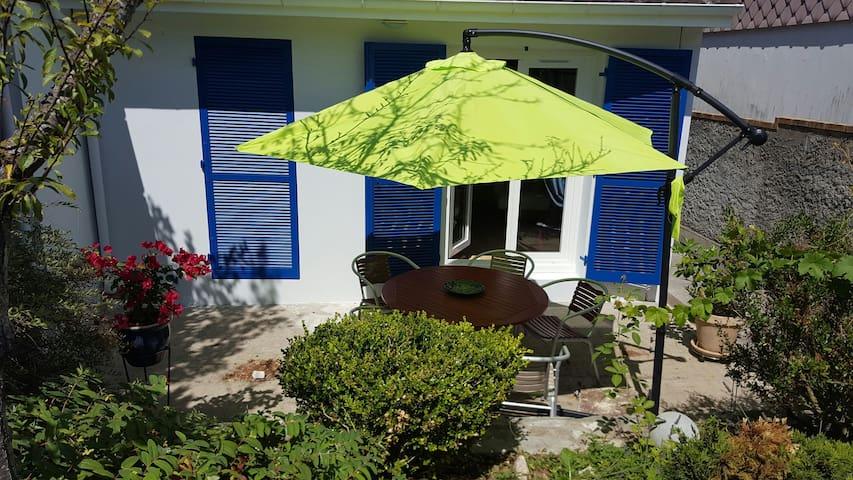 terrasse pour profiter du soleil - Bourges - House