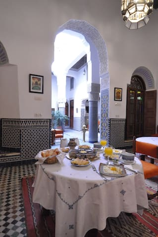 A nice familial suite room at an authentical Riad.