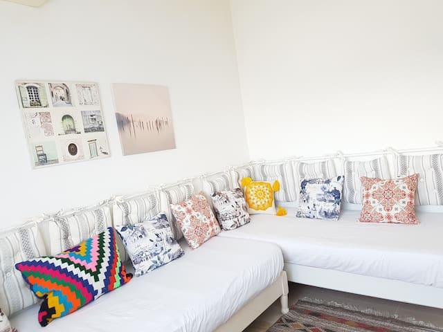 1 Chambre, cuisine, douche, jolie et propre Aouina