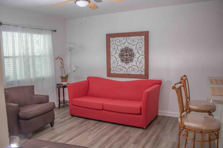 (NEW 2/1) 6 MINUTES AWAY FROM MIA!NEAR WYNWOOD!