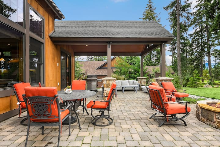 Comfortable outdoor dining area.