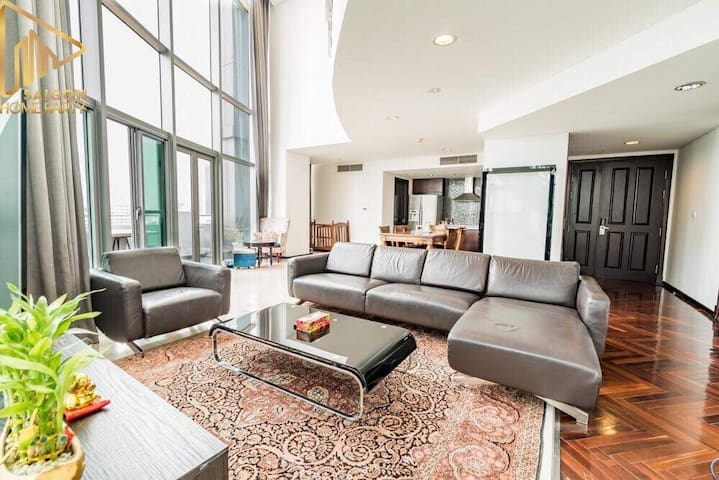 The Only PENTHOUSE 4Bedrooms In HCMC CENTRE