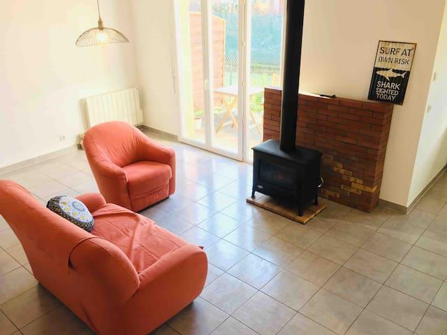 Grande Chambre dans villa cosy