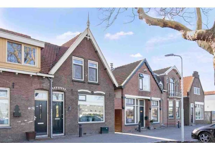 Beautiful house near Amsterdam with river vieuw!