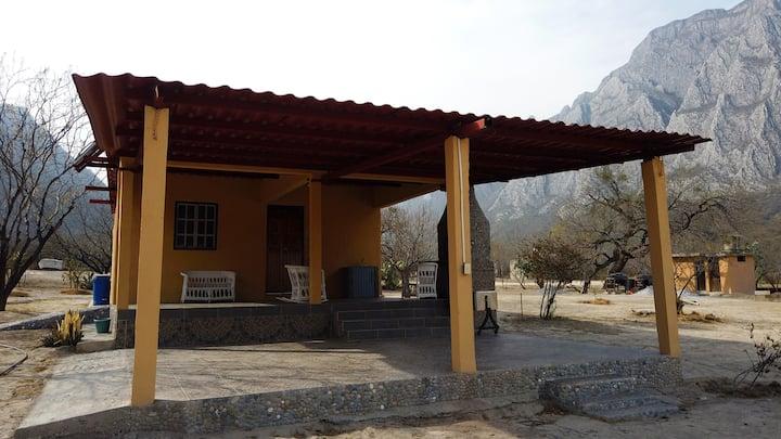 """Cabaña Ecológica """"Colibrí"""" en La Huasteca, N.L."""