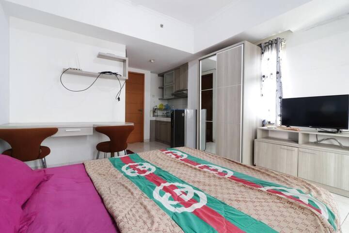 Fine Studio Room@Ray Apartment Margonda Residence2