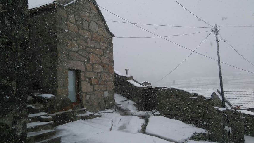 Casa da avó Ana Bobal Alvão - Bobal Mondim  - Talo