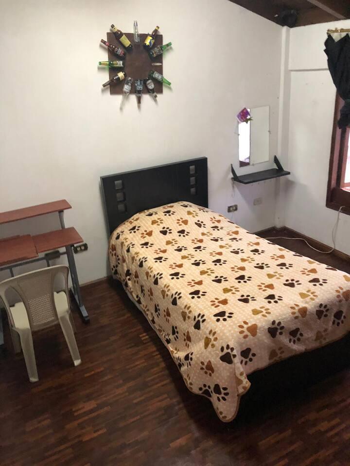 Cómodas habitaciones disponibles vivienda familiar