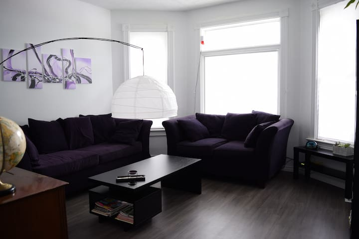 Spacious home in downtown Windsor. 3 separate BR