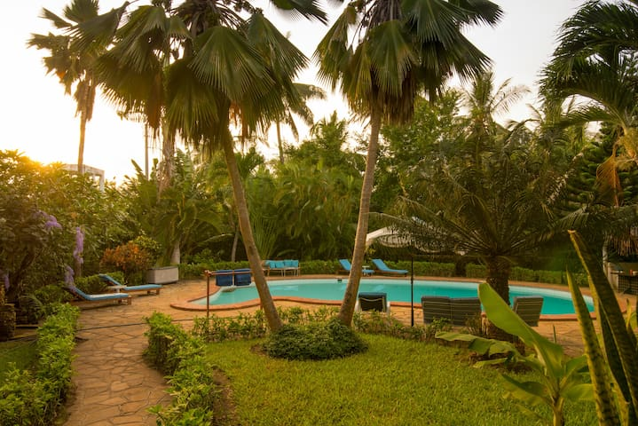 Rustic holiday cottage in Diani 300m to the beach.